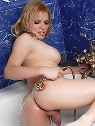 Jesse takes a bath